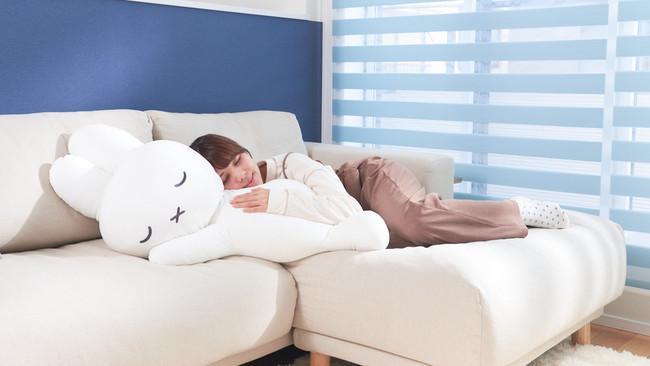 『ブルーナ すやすやフレンド おうちでリラックス うさぎ』<14,960円/税込>