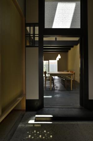 玄関  ミナペルホネンのファブリックが印象的な玄関