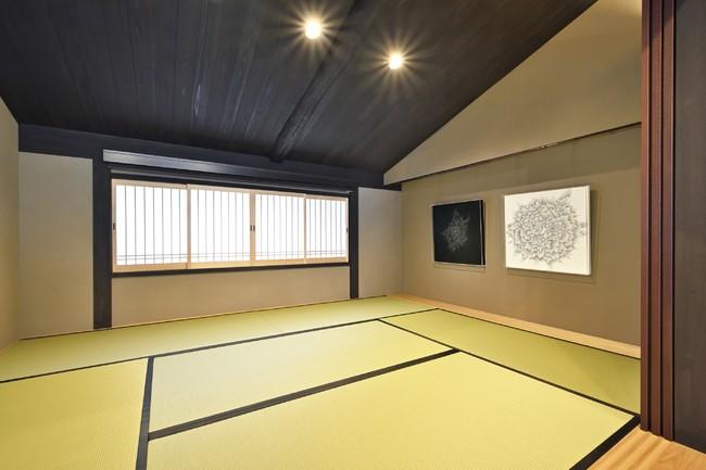 和室  町家らしい勾配天井の和室