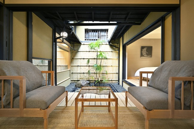 京町家ならではの風情が感じられる坪庭