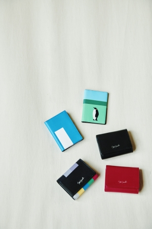 Compact-The tape, Compact-Entrust you Black, Compact-Entrust you Fushia, Card Holder-Melancholia, Card Holder-Entrust you