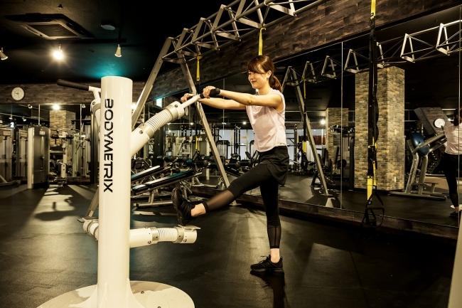 特殊なバネの力でストレッチ&疲労回復ができる「ボディメトリクス」