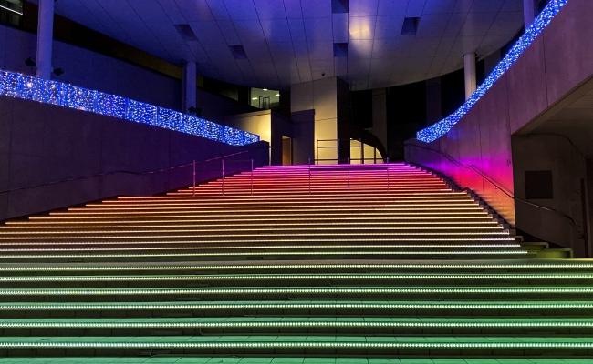 ダイバーシティ東京 プラザ    フェスティバル広場 大階段