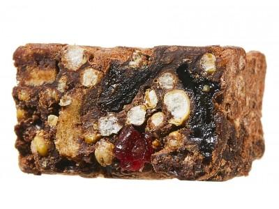 エリカ・アンギャル氏とブラウンライスのコラボレート。栄養豊富な一口サイズのオーガニックスナック「ビューティバイツ」が新登場。