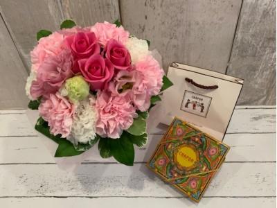新時代の「母の日」はちょっとスペシャルに。フランスショコラトリー「シャポン」から五感で楽しむ「お花とチョコレート」のギフトセットご予約受付開始。