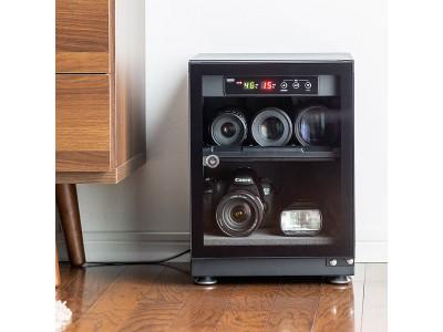 湿度管理してカメラなどの機器を保護する、鍵付きの防湿庫を1月14日発売