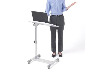 在宅勤務に!天板の角度と高さを無段階で調整できるサイドテーブルを2月26日発売