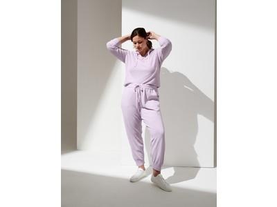 バナナ・リパブリックのウィメンズコレクションから夏の装いを昇華するサマードレスやセットアップを発売