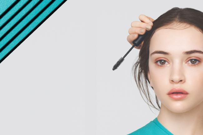 抜け感のあるニュアンス髪もまとめ髪も。スタイリングしながらケアも叶える、話題のスタイリングアイテムを... 画像