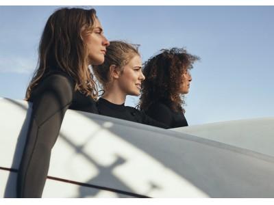 H&M、女性のためのサーフィンコミュニティ「Women   Waves」とコラボレーション。サステイナブルな素材を中心としたサーフコレクションを発表。