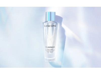 【ランコム 新化粧水 クラリフィック 誕生】酵素を手かがりに。新次元の透明肌へ*。望むのは、生まれ変わったような美しさ。