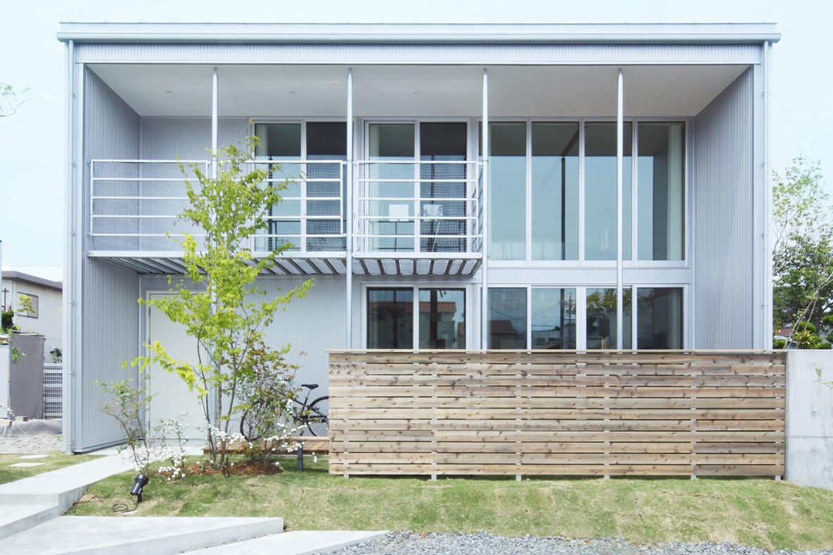 「無印良品の家」は高い耐久性と機能的な設備を備え、一室空間による住まい手のほどよい距離感を演出します。家族構成や生活の志向に合わせ永く使える、変えられる、  ...