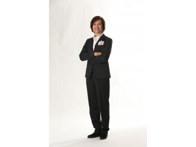 なでしこジャパン(サッカー日本女子代表)のオフィシャルスーツをリニューアル