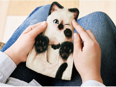 ぱっかーん!と開脚「子猫のタオルハンカチ」が「フェリシモ猫部(TM)」から新登場