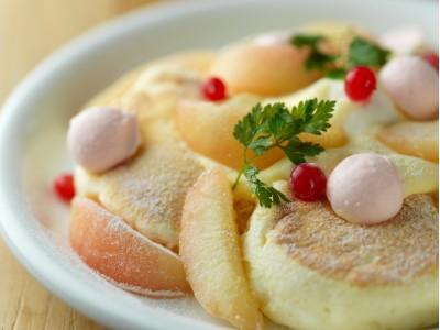夏休みには北海道の自然を感じるスイーツリゾートへ!!1ヶ月限定の旬の味わい8月1日から販売です。