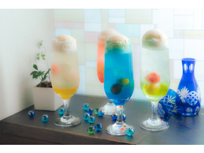 """""""おとなの日本酒クリームソーダ""""がレトロ可愛い!『日本酒バル 蔵のや』から夏限定のデザートカクテル誕生"""