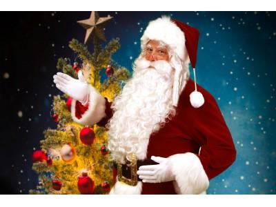 クリスマスイブの奇跡。サンタクロースがお部屋にプレゼントを届けます!