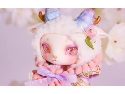 【DOLK】世界40体限定。美ヒツジドール『LORENZ』が桜の花のように優美な羽織り姿に。