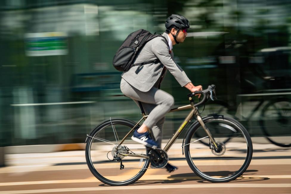 毎日の通勤・通学にも安心・安全に使用できる、デイリーユースに最適なスポーツバイク 「MULTIWAY700(マルチウェイ700)」