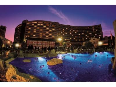 シェラトン・グランデ・トーキョーベイ・ホテル 幻想的なライティングと音楽でフォトジェニックな「ナイトプール」がオープン!