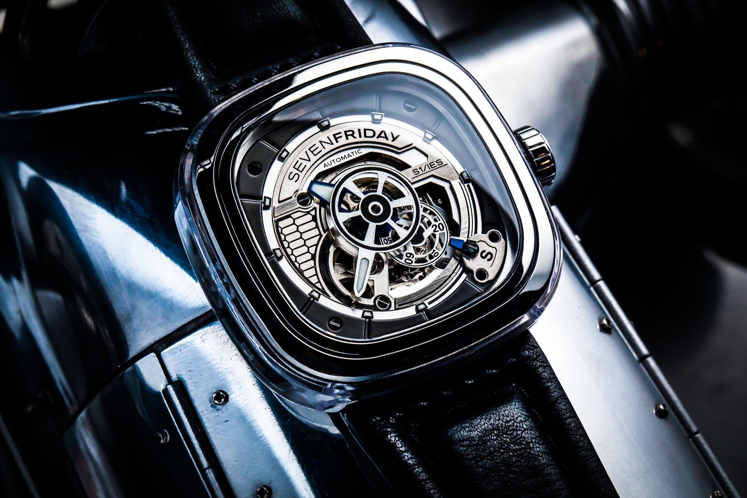 インダストリアルなデザインが特徴の腕時計「SEVEN FRIDAY(セブン フ…