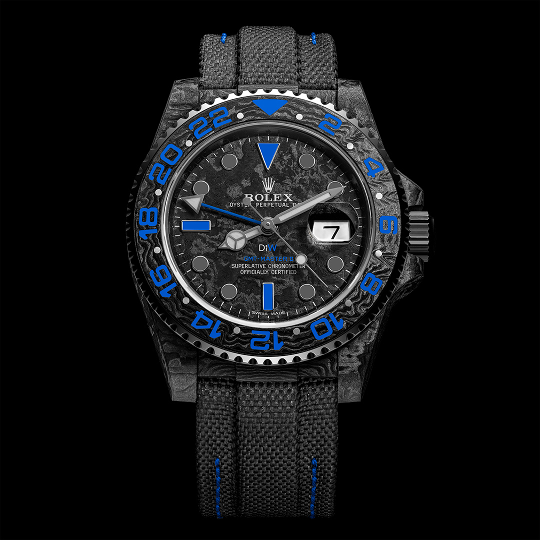 カスタム時計メーカー「DIW」から、ROLEX GMT-Master IIをベースにしたカスタムモデル「ELECTRO CARBON GMT」が発売