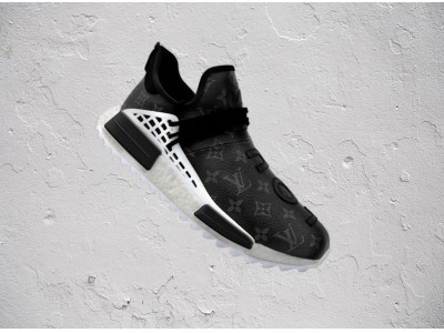 NY発のリメイクブランド「CEEZE(シーズ)」から「adidas Hu NMD」とブラックのLVレザーを組み合わせたリメイクモデル「ECLIPES HU NMD」が発売。