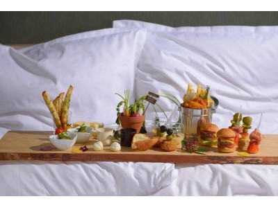 【オキナワ マリオット リゾート & スパ】エグゼクティブフロアでご宿泊のお客様限定バレンタイン&ホワイトデーを演出 お部屋で楽しむ「To Eat In Bed 2019」