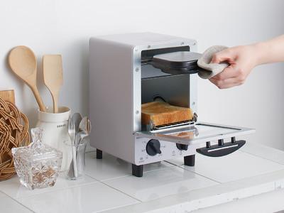 【目玉焼きと食パンを同時調理!コイズミオーブントースター新発売】