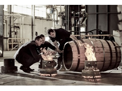 ラグジュアリーコニャック ルイ13世 100年先へ想いを込めて、特別な「ティエルソン」樽の再生産に着手