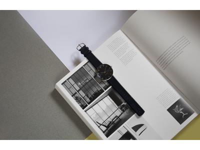 北欧デンマークブランドARNE JACOBSENより、オックスフォード大学の公式カラーをフェイスに施したウオッチが新発売。全4型。