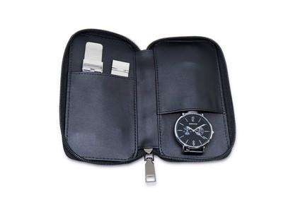北欧デンマークの腕時計ブランドBERINGの人気シリーズChangesのキャンペーンを開催します。工具無しで付け替え可能なストラップが2本付属し、ファッションや季節に合わせて楽しめるシリーズです。