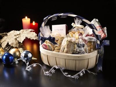 ザ・プリンス パークタワー東京 ステイホテル&ホームで楽しむクリスマスにおすすめスイーツが詰まったクリスマスハンパー「A little happiness」を販売
