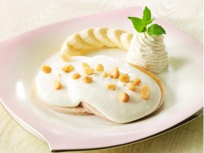 キャシー中島氏監修、マカデミアナッツソースのパンケーキなどハワイで人気のメニューを取り入れた「ハワイアンラウンジ」を開催
