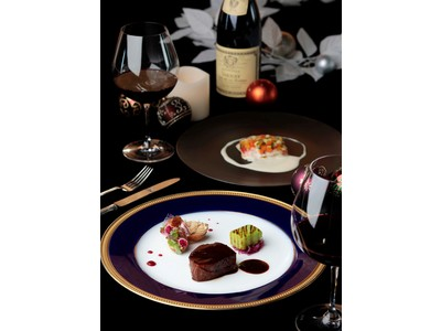 【リーガロイヤルホテル京都】京都の夜景を一望!回転展望レストランで聖なる夜を『クリスマスディナー』販売