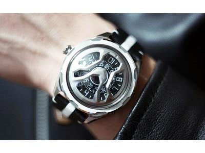 時刻と一緒に「時空」を感じて。SF×近未来モチーフがグッとくる腕時計
