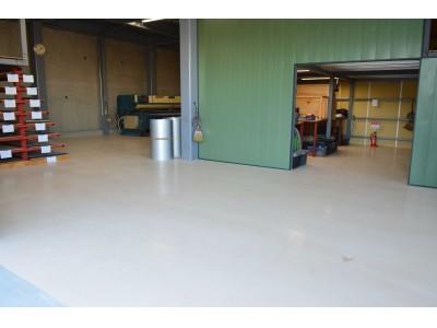 3mmの塗り厚で商業・工業用途を問わず施工が可能な塗り床材 発売