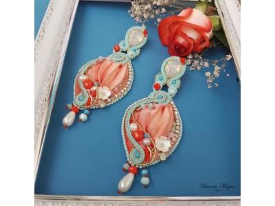 おとぎ話のような美しい刺繍のアクセサリー、ヴィレヴァン通販で取り扱い開始