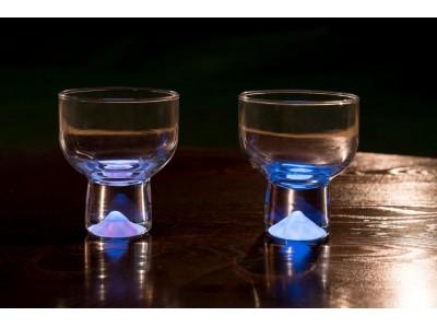 世界初の技術!暗闇で幻想的に光る『月光グラス』完成。サンドブラスト技術と特殊な蓄光技術が融合した日本のモノ作りの結晶。ヴィレッジヴァンガードオンラインで発売!