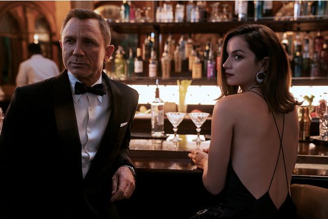 ダニエル・クレイグが演じる最後のジェームズ・ボンドが着用したタキシードを日本で見られるラストチャンス!? 『007/ノー・タイム・トゥ・ダイ』の衣装の特別展を緊急開催!