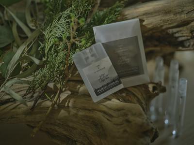 和紙肌着ブランド【UNDERSON UNDERSON】とオーガニックコスメブランド【john masters organics】が初めてのコラボレーションアイテムを発売