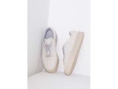 「emmi」と「adidas Originals」の別注モデルが、本日9月20日(金)に発売