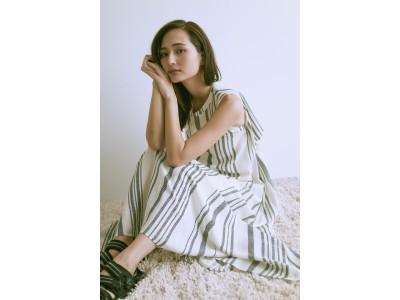 <emmi(エミ)>山賀琴子が選んだ夏服!売上利益が全額チャリティになるオンラインストアの新企画
