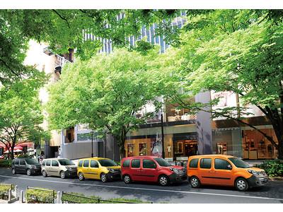 日本の街にもっとフランスの色を5色の限定車 ルノー カングー パナシェ発売