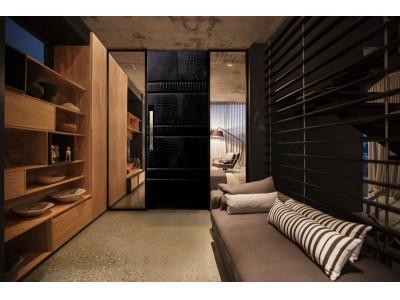 天然クロコダイルの革を16頭分使用した贅沢な室内ドア「インペリアル」を5月24日(木)~25日(金)東京ビッグサイトで開催の『住宅ビジネスフェア2018ラグジュアリーコレクション』に初出展します。