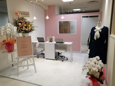 胸が大きな女性のためのアパレルブランド「overE」が初のリアル店舗を銀座にオープン!「サロン&サテライトアトリエ」をコンセプトに顧客参加型の新商品プロデュースを加速