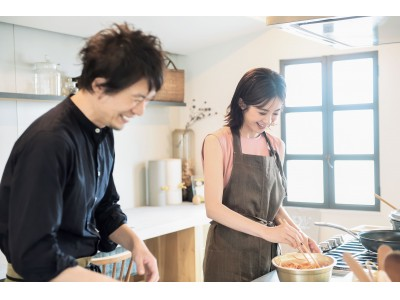 #STAY KITCHENを前向きに! 高垣麗子×コウケンテツの料理特集が必読の『STORY』9月号が7月31日(金)発売