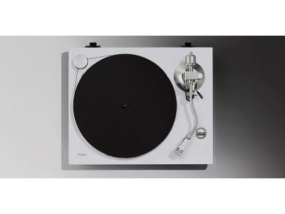 外掛け式ベルトドライブ方式を採用したアナログターンテーブル『TN-3B』に新色追加