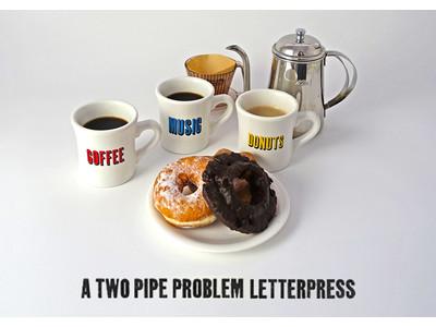 コーヒーやお酒を楽しむ、毎日のリラックスタイムを特別なものに。ロンドンの活版印刷スタジオ「A TWO PIPE PROBLEM LETTER PRESS」のタイポグラフィーマグカップとグラスが発売。