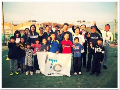 スポーツの季節 笑顔で親子のたのしい思い出作り。「なかよし親子テニス秋の無料体験会」は今年も好評のうちに終了。ITCテニススクールはファミリーテニスを応援します。11/25(日)